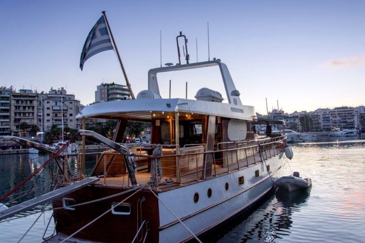 2500_The-Yacht-at-marina-Zeas_SounioCruise