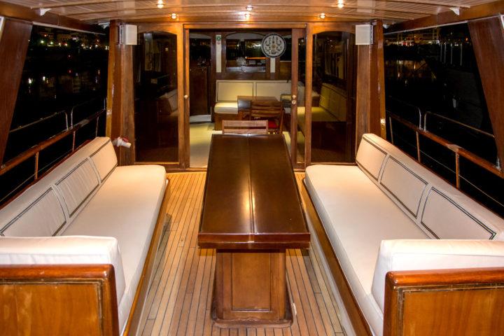 Deck Inside-Outside_01_Sounio Cruise