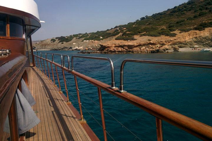 Deck Outside_02_Sounio Cruise
